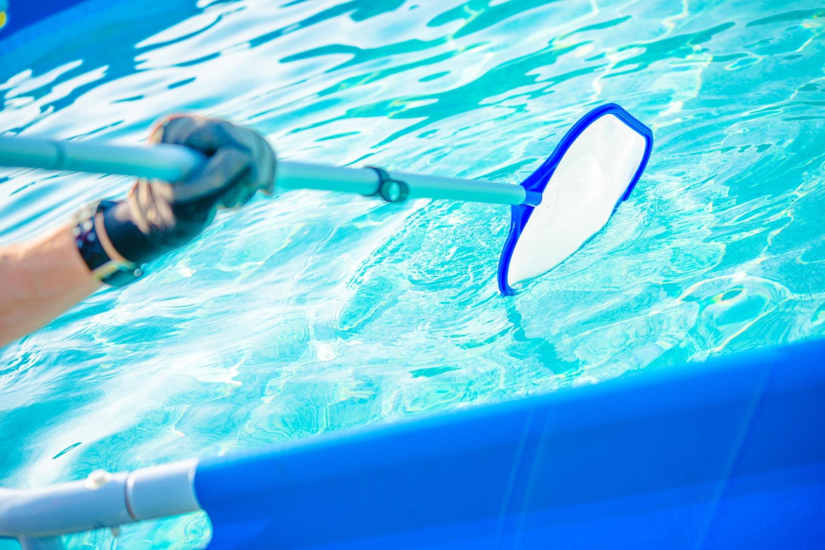 Limpieza de piscinas en Sevilla